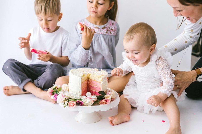 Family cake smash